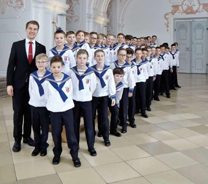 St. Florianer Sängerknaben mit Männerchor in Ebensee  - Bild 1552805721