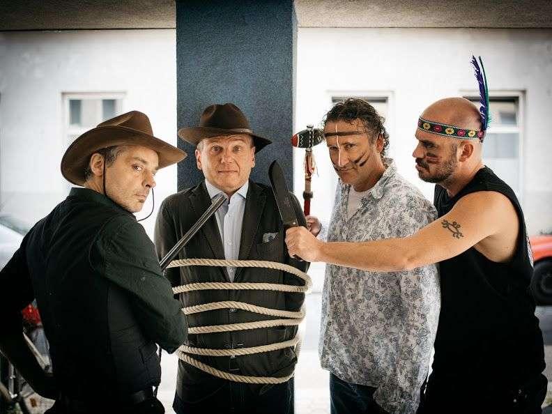 BLUTSBRÜDER- Die Karl May-Boygroup aus dem Rabenhof Theater - Bild 1