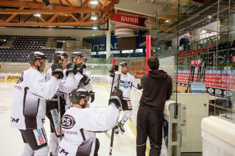 Trainingsalltag der Black Wings Linz - Bild 5