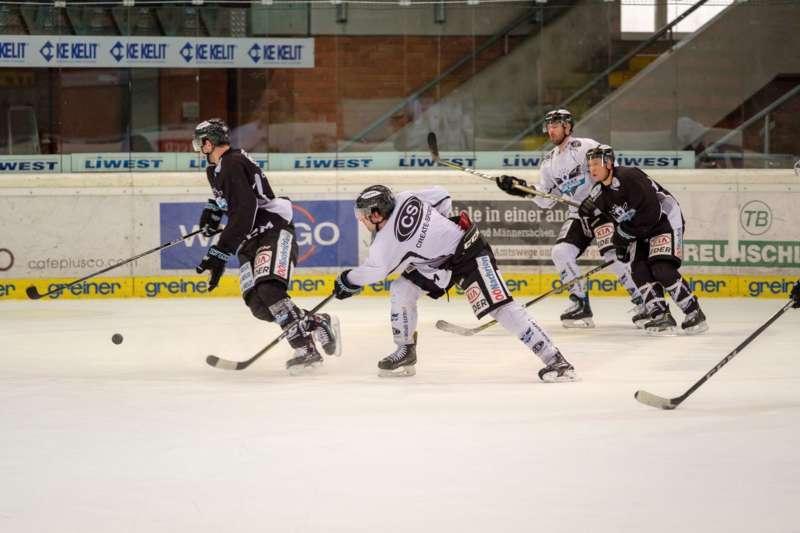 Trainingsalltag der Black Wings Linz - Bild 10