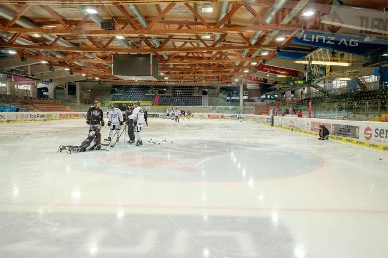 Trainingsalltag der Black Wings Linz - Bild 11