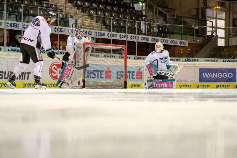 Trainingsalltag der Black Wings Linz - Bild 15