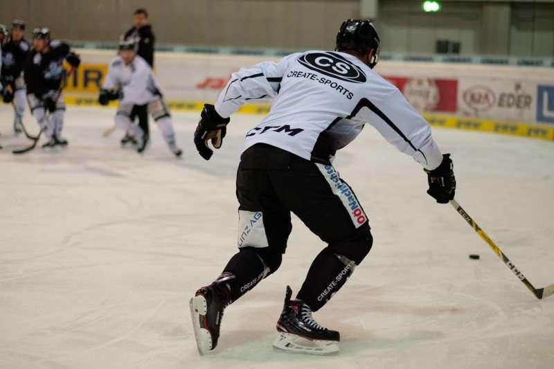 Trainingsalltag der Black Wings Linz - Bild 18