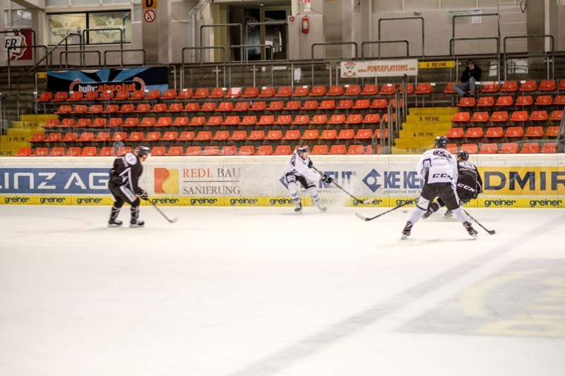 Trainingsalltag der Black Wings Linz - Bild 21