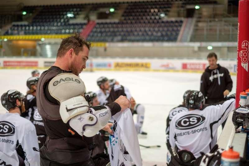 Trainingsalltag der Black Wings Linz - Bild 24