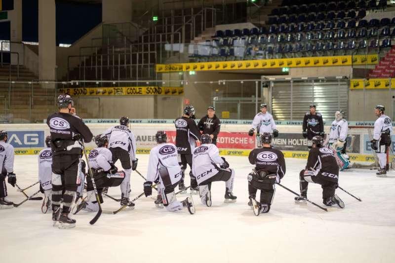 Trainingsalltag der Black Wings Linz - Bild 26