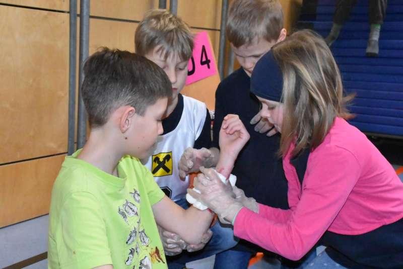 Helfi-Bezirkswettbewerb in der Volksschule Schönau - Bild 36