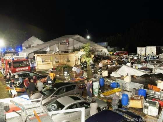 Festzelt in Österreich eingestürzt - 2 Tote