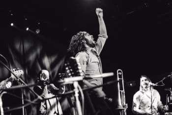 Fuzzman und Band,  Pauls Jets Solo