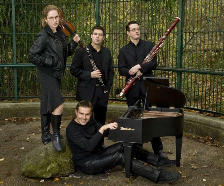 Ensemble CrossNova - Bild 1226756193