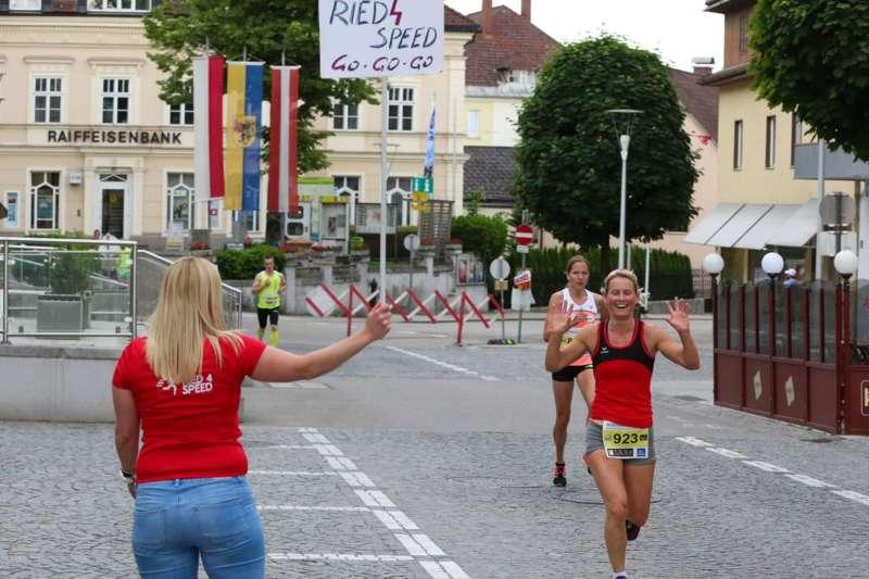 Baierl und Tripolt siegen beim 19. Kirchdorfer Stadtlauf - Bild 47