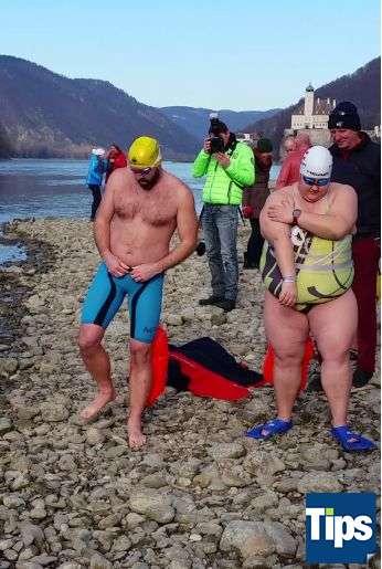 Sie haben es wieder getan: Eisschwimmer wagten sich bei Schönbühel in die Donau - Bild 13