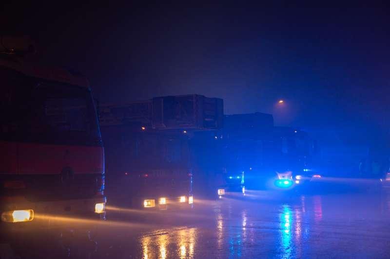 Brand bei Abfallunternehmen in Traun  - Bild 1