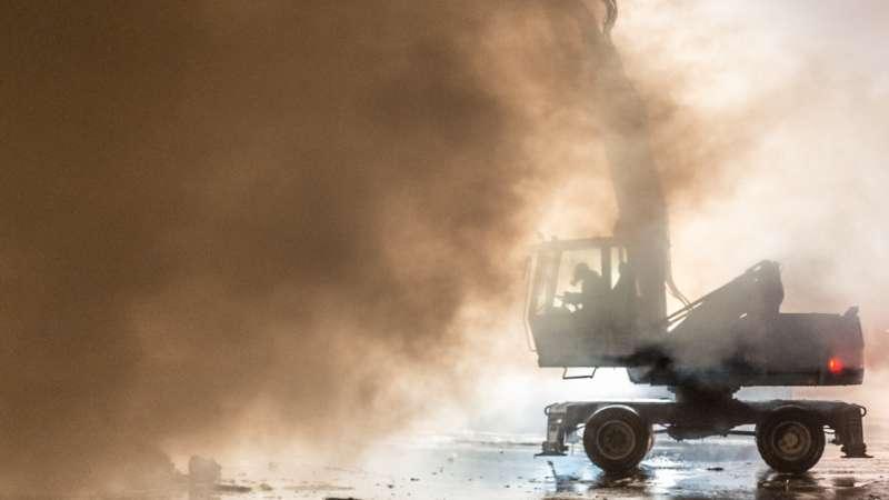 Brand bei Abfallunternehmen in Traun  - Bild 2