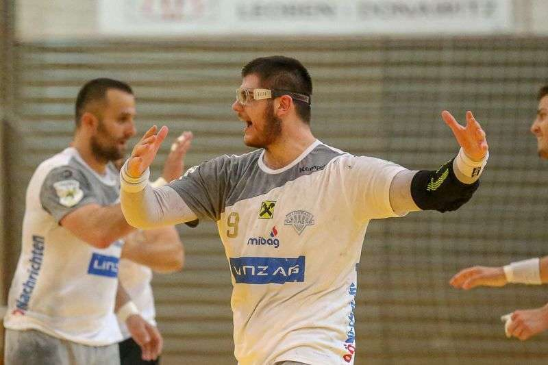 Linzer Handballer schaffen Klassenerhalt in Verlängerung - Bild 8