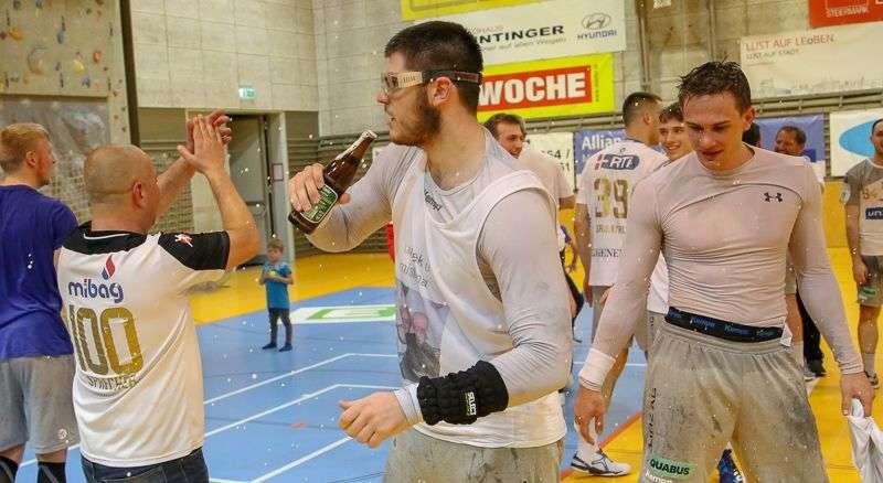 Linzer Handballer schaffen Klassenerhalt in Verlängerung - Bild 12
