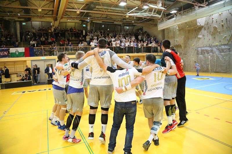 Linzer Handballer schaffen Klassenerhalt in Verlängerung - Bild 24