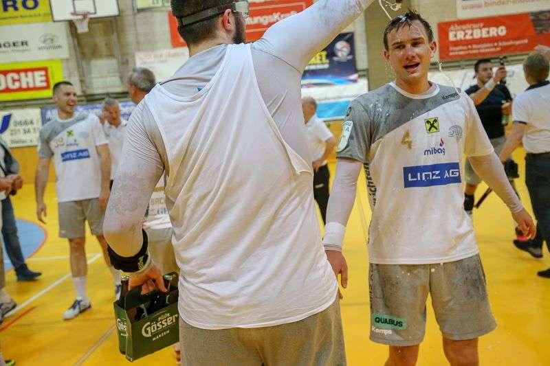 Linzer Handballer schaffen Klassenerhalt in Verlängerung - Bild 25