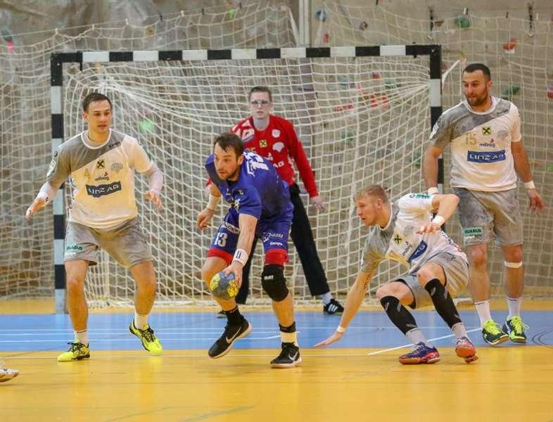 Linzer Handballer schaffen Klassenerhalt in Verlängerung - Bild 35