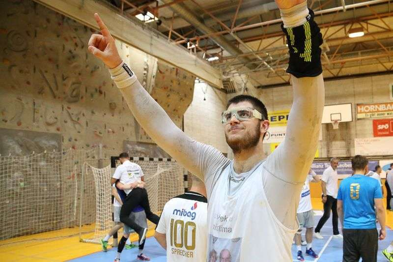 Linzer Handballer schaffen Klassenerhalt in Verlängerung - Bild 40