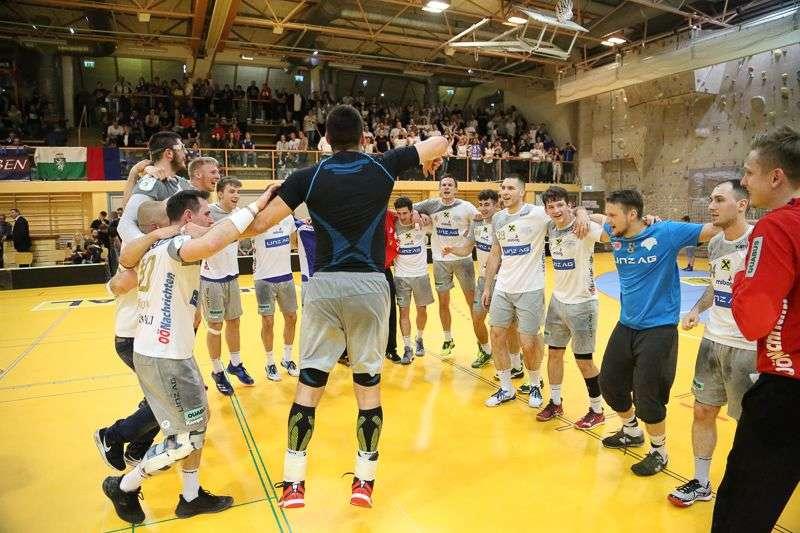 Linzer Handballer schaffen Klassenerhalt in Verlängerung - Bild 56
