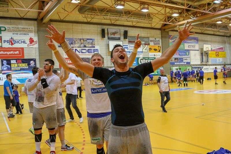 Linzer Handballer schaffen Klassenerhalt in Verlängerung - Bild 66