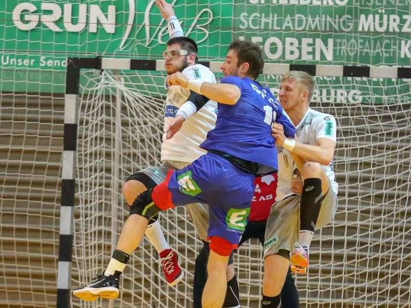 Linzer Handballer schaffen Klassenerhalt in Verlängerung - Bild 78