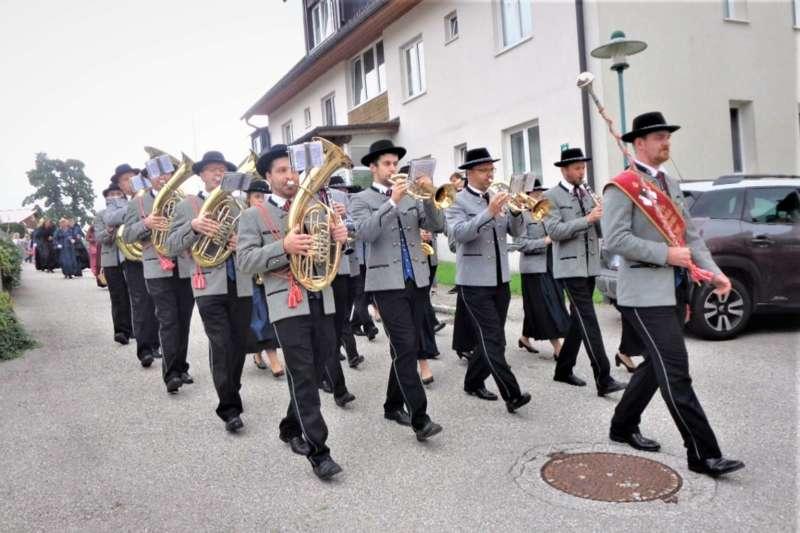 St. Konrad : Der Kirchenchor und Schüler der VS - St. Konrad umrahmten das Erntedankfest. - Bild 14