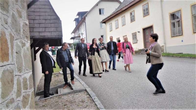 St. Konrad : Der Kirchenchor und Schüler der VS - St. Konrad umrahmten das Erntedankfest. - Bild 20
