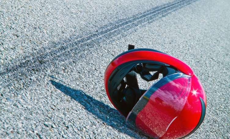 Zwei Jugendliche bei Mopedunfall mit LKW in Taufkirchen an der Pram verletzt - Tips - Total Regional