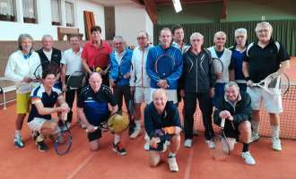 Traditionelles Tennis-Turnier am Dreikönigs-Tag