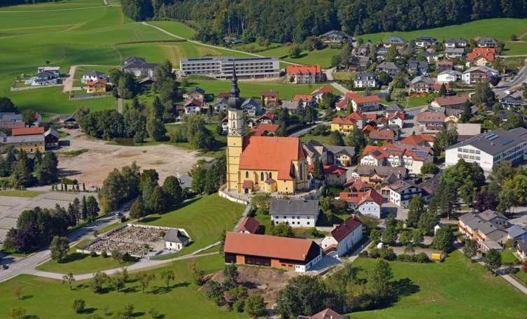 Projekte in Eggelsberg: Herausforderung Wohnbau und B156
