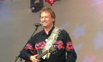 Alle Jahre wieder feiert Tex Robinson Country Christmas in Wels
