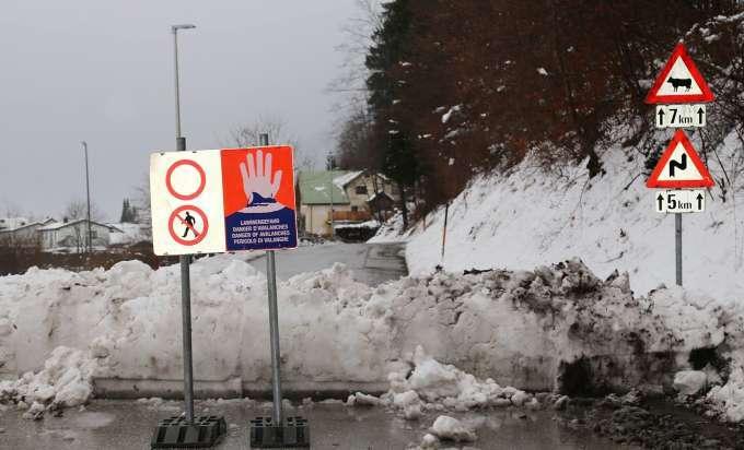 Straßensperren Wegen Lawinengefahr Im Salzkammergut