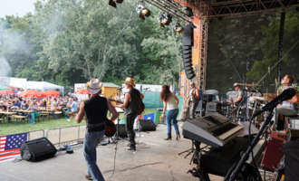 "Braunauer Coverband ""MIDLIFE special"" live beim DONAUINSELFEST (26.6.2015)"