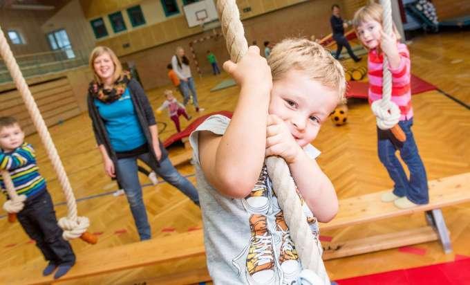 Kunterbuntes Frühjahrsprogramm Der Nö Kinderbetreuung