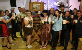 O'zapft is: Oktoberfest in Wiesensfeld