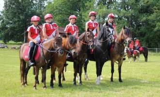 Mounted Games: Starke Minis am Start