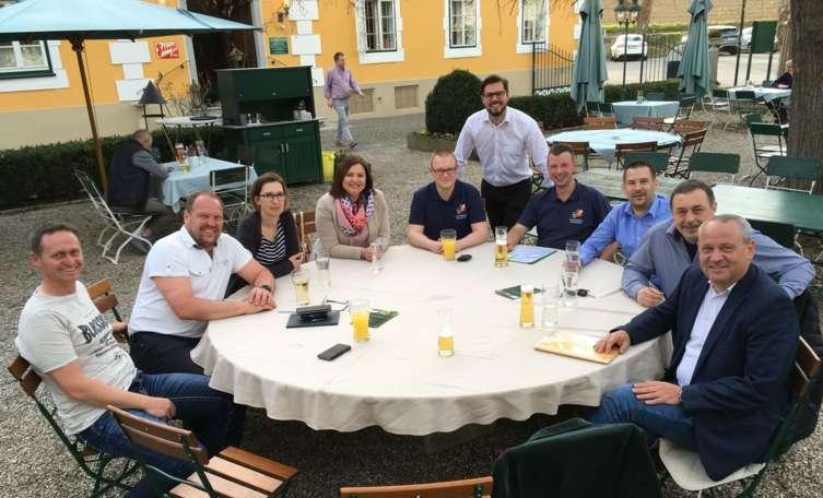 Sex treffen in Schwarzenbach am Wald, Treffen in doppl
