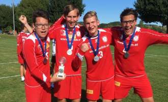 Vier Waldburger Faustballer im Nationalteam Vize-Weltmeister