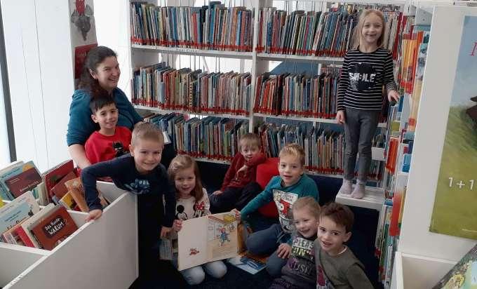grieskirchen kindergarten parz w chentlicher besuch in. Black Bedroom Furniture Sets. Home Design Ideas