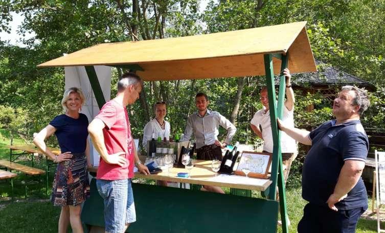 Wetterfest und originell: erstes Maiskolbenfest in Aspach - Tips