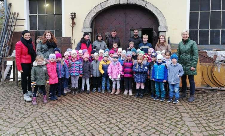 Kindergarten Molln besuchte Schmiede - Tips - Total Regional