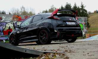 Honda Civic TypeR - Back in black