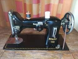 Antike Nähmaschine - Pfaff 130