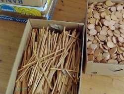 Holzteile als Brennholz zu verschenken