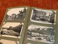 Alte Ansichtskarten im Album