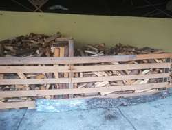 Ofenfertiges Fichtenbrennholz