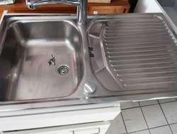 Abwasch mit Unterbau