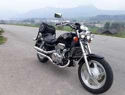Verkaufe seltene Honda 750 VFC Magna